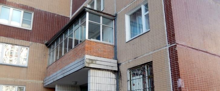 В зеленограде демонтирован незаконный балкон.